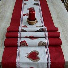 Úžitkový textil - Bordo srdiečka s gombíkmi - stredový obrus - 9766545_