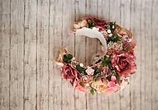 Ozdoby do vlasov - Ružová veľká bohato zdobená kvetinová parta z kolekcie pre Lydiu Eckhardt - 9769848_