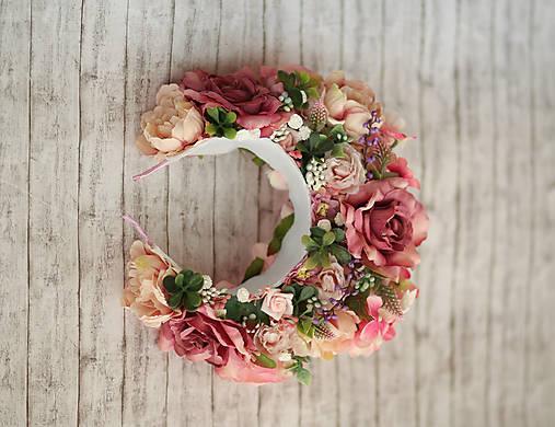 Ružová veľká bohato zdobená kvetinová parta z kolekcie pre Lydiu Eckhardt