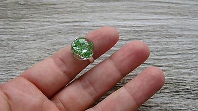 Prstene - Živicový prsteň s kvietkami (zelené kvietky č. 2237) - 9770370_