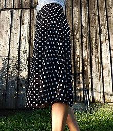 Sukne - Sukňa  - čierno-biela bodkovaná trochu retro :) - 9773271_