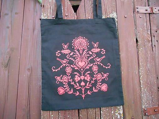 folk taška čierna s červeným vzorom