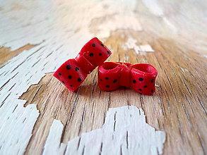 Náušnice - červené mašličky  (čierne bodky) - 9772868_
