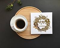 - Svadobná kniha s vašimi iniciálmi a dátumom- Gold Flowers (Biela) - 9773919_