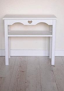 Nábytok - Príručný stolík one heart - 9778977_