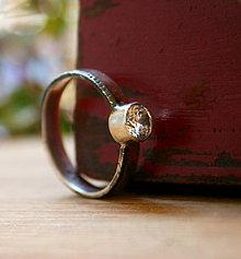 Prstene - Zásnubný prstienok - 9776812_