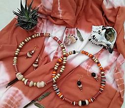 Náhrdelníky - Drevený set náhrdelník s nausnickami - 9777296_