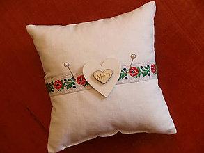 Úžitkový textil - Folklórny mini vankúšik so srdiečkami s iniciálkami - 9778563_