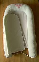 Textil - Vyšívané hniezdo - ružové - 9781359_