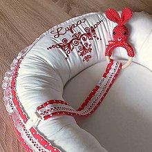 Textil - Vyšívané hniezdo - červené - 9781425_