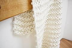 Úžitkový textil - Vlnená pletená deka - prírodná - 9779718_