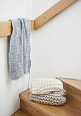 - Vlnená pletená deka - modrá - 9779738_
