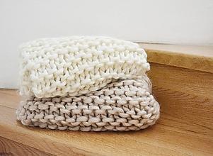Úžitkový textil - Vlnená pletená deka - prírodná - 9779719_
