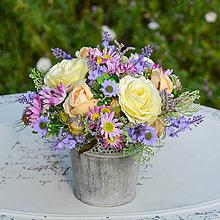 Dekorácie - Fialová dekorácia na stôl - 9779032_