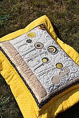 Úžitkový textil - V krajine zázrakov...žlto - hnedá verzia - vankúše :) - 9779816_