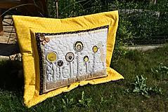 Úžitkový textil - V krajine zázrakov...žlto - hnedá verzia - vankúše :) - 9779819_