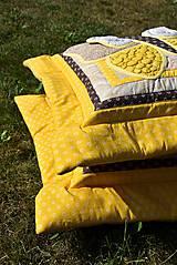 Úžitkový textil - V krajine zázrakov...žlto - hnedá verzia - vankúše :) - 9779822_