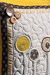 Úžitkový textil - V krajine zázrakov...žlto - hnedá verzia - vankúše :) - 9779824_