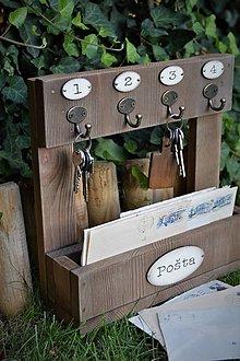 Nábytok - Drevený odkladač na poštu a kľúče - 9779069_