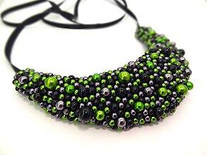 Náhrdelníky - Čierno-zelený náhrdelník - 9784109_
