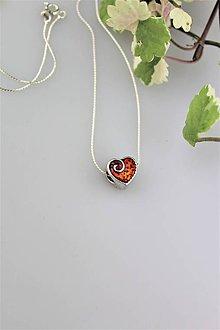 Náhrdelníky - červené srdiečko prívesok z retiazkou - daruj z lásky - 9782182_