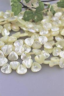 Minerály - Perleťové korálky lístky - cena za 3ks! - 9783435_