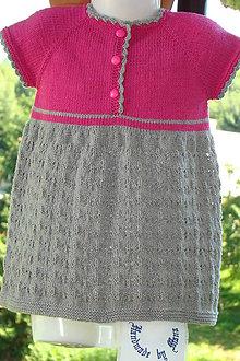 Detské oblečenie - Ručne pletené dievčenské šaty - 9786324_