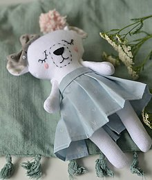 Hračky - v plisovanej sukni - 9785889_