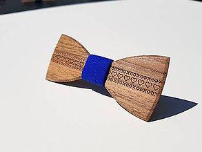 Doplnky - Gravírovaný drevený motýlik - 9785326_