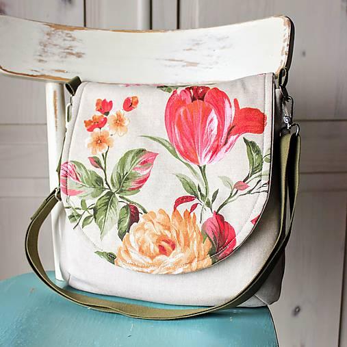 Rozkvitnutá plátenná kabelka