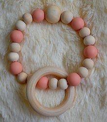Hračky - Malé hryzátka (Béžová drevené silikónové korálky + krúžok) - 9785600_