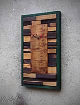 drevený obraz s hodinami 6