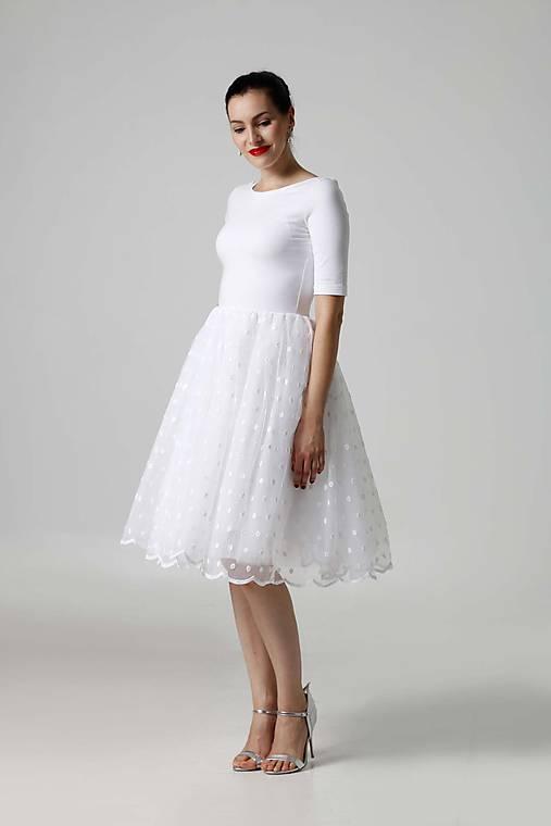 Šaty biele s tylovou sukňou   ZuzanaZachar - SAShE.sk - Handmade Šaty 1d3e10490f9