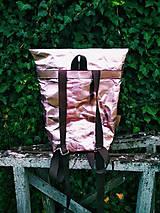 Batohy - Papierový batoh // holographic pink - 9787797_