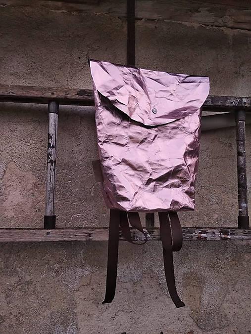 Papierový batoh // holographic pink