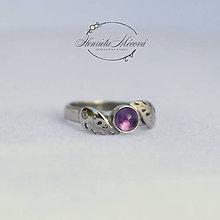 Prstene - folklórny prsteň striebro/ametyst - 9786697_