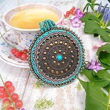 Náhrdelníky - Bohemian medallion - vyšívaný náhrdelník - 9791637_