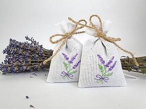 Dekorácie - Levanduľové vrecúška s krížikovou výšivkou (levandulová kytica) - 9790895_