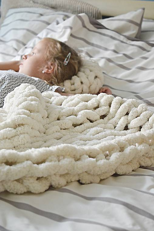 Rukami pletená deka/koberček