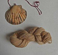 Materiál ručne robený - Šumavská vlna, prírodne farbená - 9791615_