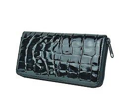 Peňaženky - Originálna kožená peňaženka so vzorom hadiny v čiernej farbe - 9792093_