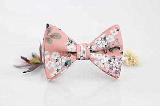 Doplnky - Pánsky ružový kvetinový exkluzívny motýlik - Josephine - 9795206_