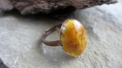 Prstene - Živicový prsteň s kvietkami (oranžový kvet č. 2248) - 9795434_