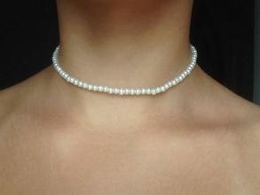 Náhrdelníky - Jednoradový perlový choker/menšie korálky - 9795936_