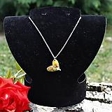 Náhrdelníky - Zelené srdiečko s ružami - 9798230_