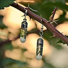 Náušnice - Levanduľové - mach a kamienky - živicové visiace náušnice - 9796797_
