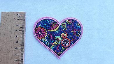 Iný materiál - Nažehlovačka srdce vyšívané - 9796628_