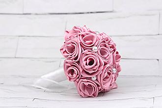 Kytice pre nevestu - VÝPREDAJ! Saténová kytica svadobná tmavoružová ruže - 9797673_