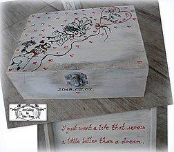Krabičky - Svadobná krabica s veselým motívom :) - 9796988_