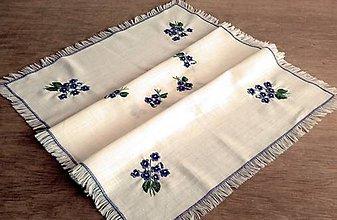 Úžitkový textil - Vyšívaný obrus - fialky - 9798317_
